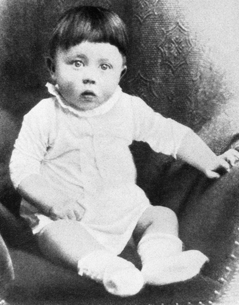 Hitler gyermekként