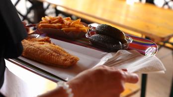 Titkos fűszerrel készül a sült hal Aszófőn