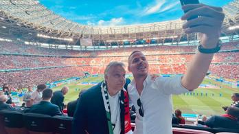 Orbán Viktor Dzsudzsák Balázzsal szurkol a VIP-páholyban