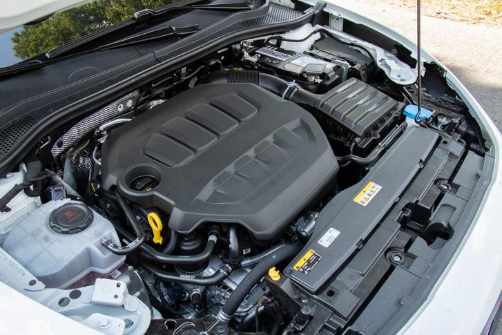 2,0 literes TSI 300 lóerőre és 400 Nm nyomatékra fújva