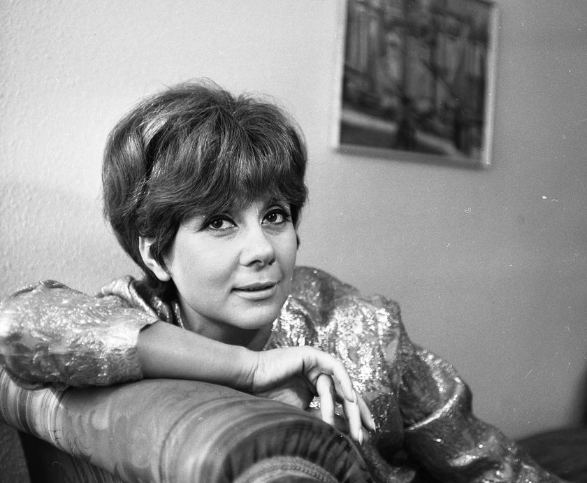 Ruttkai Éva színművésznő 1966-ban az otthonában.