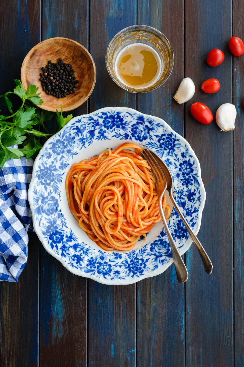 paradicsomos fokhagymás spagetti álló ok