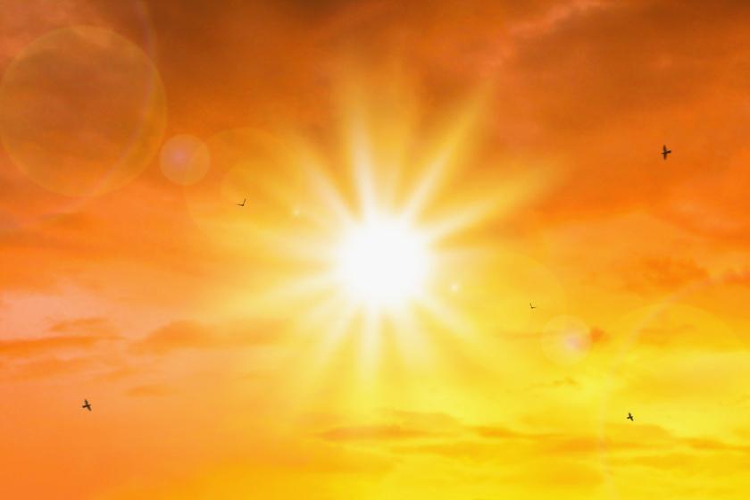 Extra erős UV-sugárzás várható: a hatóságok is figyelmeztetést adtak ki