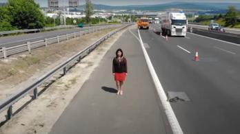 Megrázó videóval sokkol a Magyar Közút