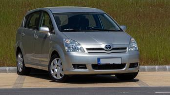 Használtteszt: Toyota Corolla Verso 1,6 – 2006.