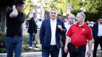 Megkezdődött a Fidesz frakcióülése Debrecenben