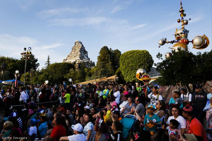 A kaliforniai Disneyland 2013. májusában