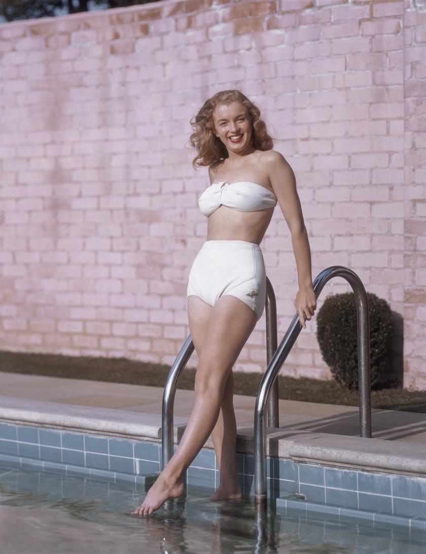 Marilyn Monroe nem véletlenül lett az '50-es évek szexszimbólum színésznője, nőies alakjáért bolondultak a férfiak. Ez a bikinis felvétel még Norma Jeane-ként készült róla 1946-ban.