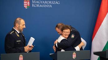 Orbán Viktor: Ölelj meg újra, ölelj meg ugyanúgy még egyszer