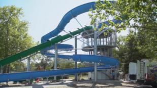 Átadták a Balaton legnagyobb vízicsúszdáját
