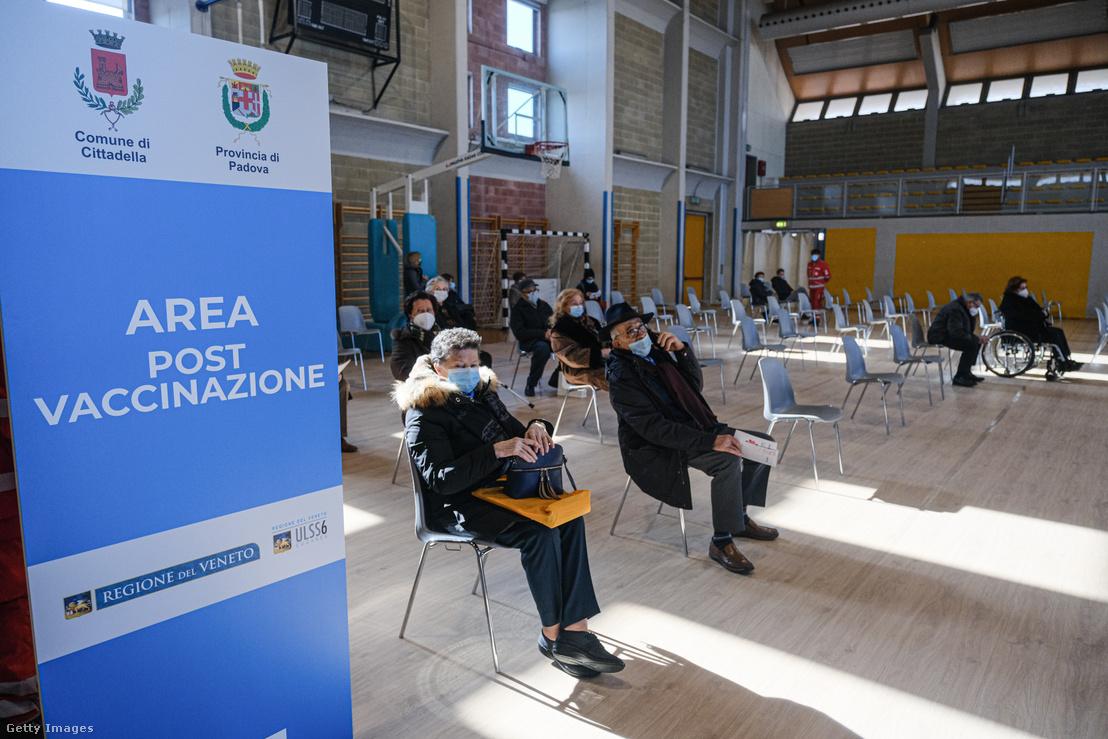 Oltóközpont Cittadella városában, Olaszországban 2021. február 15-én