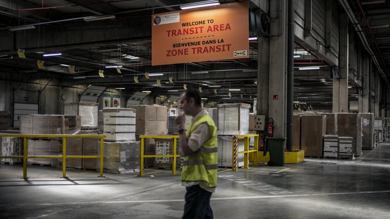 Egymillió eurós büntetéssel úszta meg a kémkedést a francia IKEA