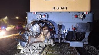 Vádat emeltek a vonat elé hajtó autós ellen