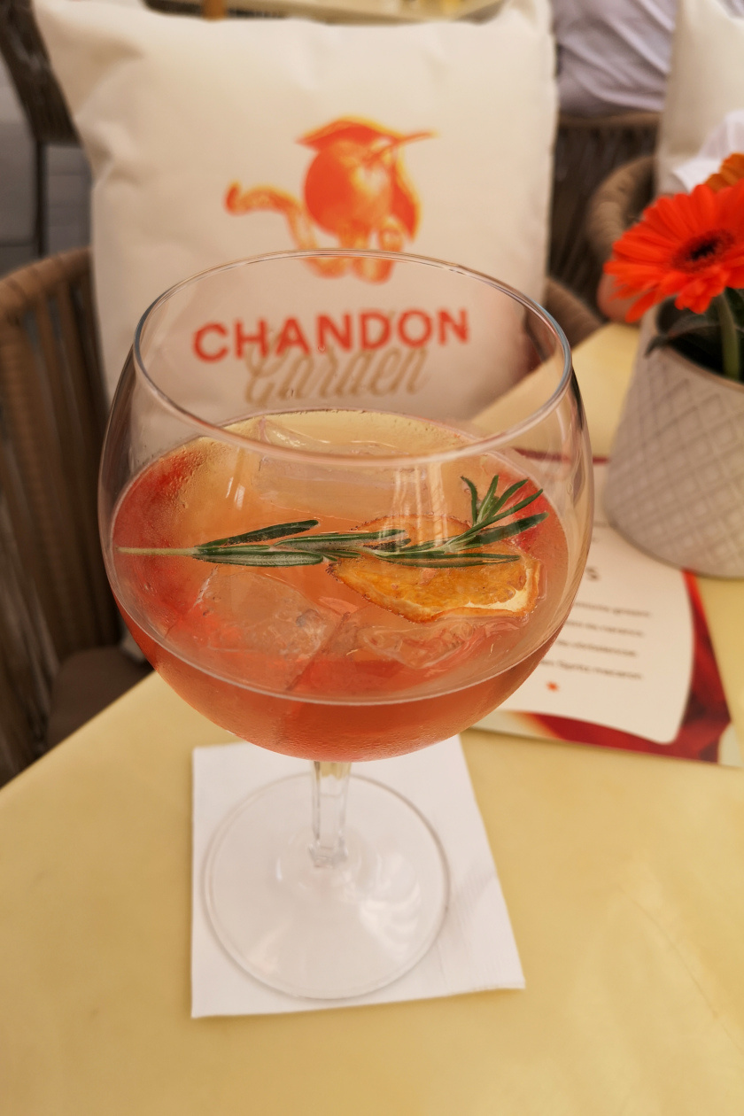Chandon garden spritz1 álló