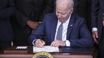 Biden aláírta: holnaptól ünnepnap a rabszolgaság eltörlése