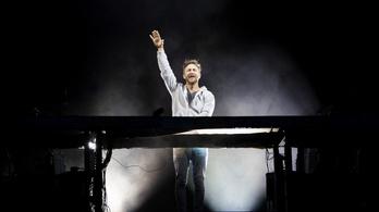 David Guetta minden dalát eladta a Warnernek