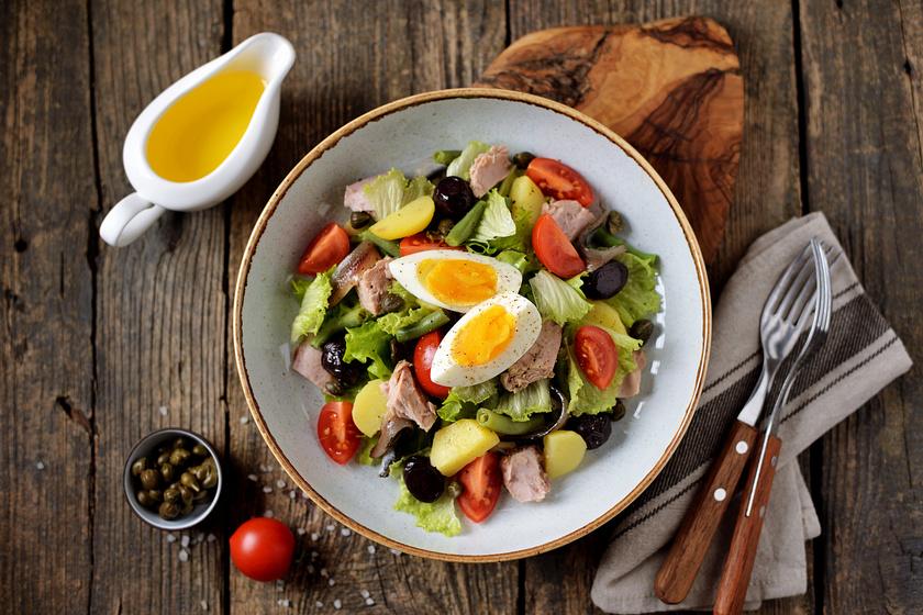Könnyed, mégis tartalmas nizzai saláta: nyugodtan ízlésre szabható