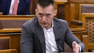 Rogán Antal: Nem biztos, hogy magyar szereplő is labdába rúghat autópályaügyben