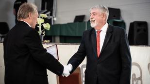 Díszpolgárrá avatták Kásler Miklóst, amiért megszervezte a járvány elleni védekezést