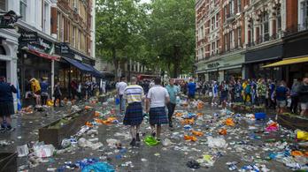 Szeméttelepet varázsoltak Londonból a skót szurkolók