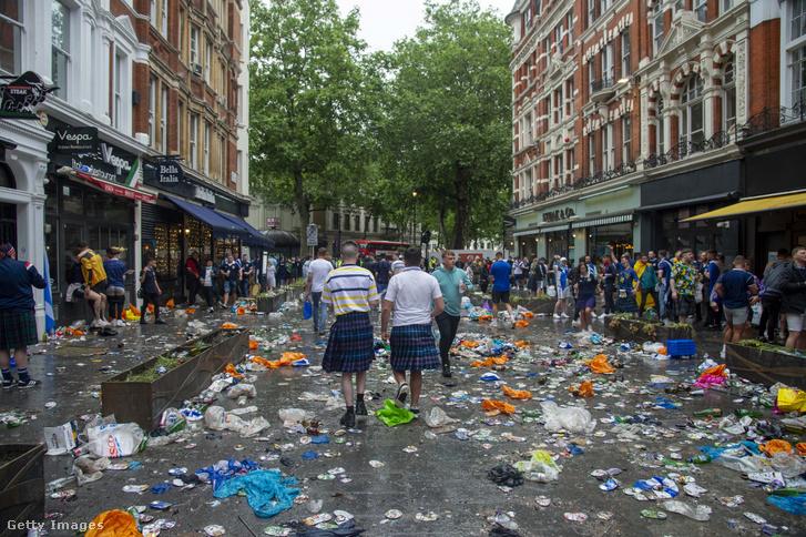 Skót szurkolók Londonban 2021. június 18-án