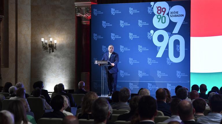 Félfordulatot sejtenek Orbán Viktor reformterve mögött