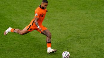 Holland válogatott csatárt igazolt a Barcelona