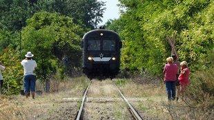 Kunsági vasúttúra - lehet, hogy hogy ez volt az utolsó utas-szállító vonat arrafelé