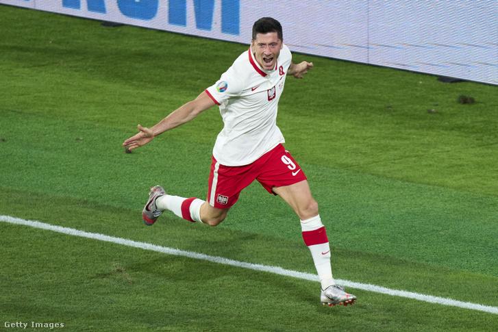 Lewandowski sorozatban harmadik Eb-jén volt eredményes