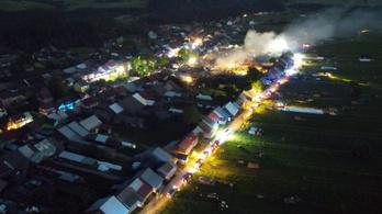 Pusztító tűzvész Lengyelországban, több mint harminc épület égett le