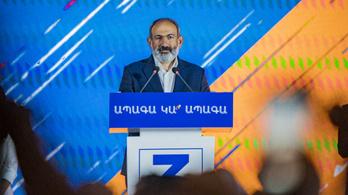 A miniszterelnök győzelmet hirdetett, ellenfele csalást emleget az örmény választáson