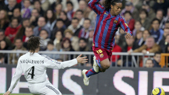 Ronaldinho jól elverte Sergio Ramost