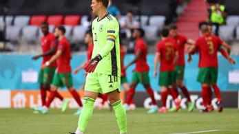 Az UEFA nem bünteti meg Neuert a szivárványos karszalag miatt