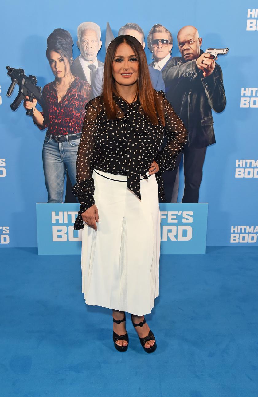 Salma Hayek 2021. június 14-én a Sokkal több mint testőr 2 londoni premierjén.
