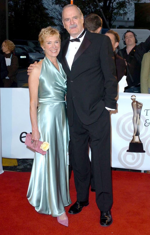 John Cleese és Alyce Faye Eichelberger nem szépen váltak el.