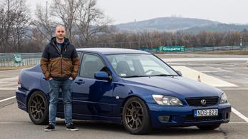 A japánok nem merték, a magyarok igen - éljen a V8!