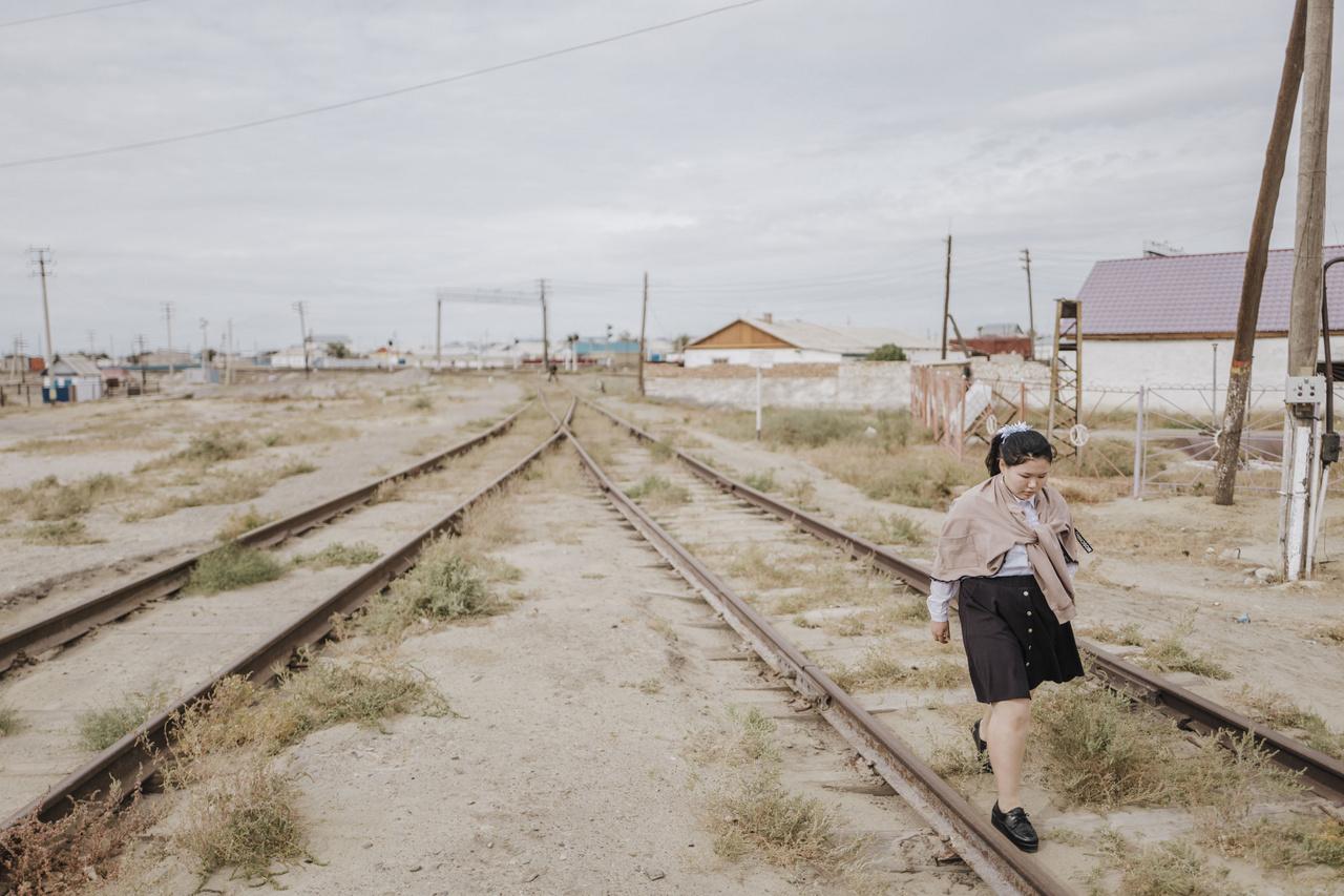 Az ország 48 ezer tava között van a szinte teljesen kiszáradt Aral-tenger. A tó az elmúlt évszázadok környezetpusztításának egyik szimbólumává vált, ami a szovjet-érában erőltetett gyapottermesztés miatt következett be. 2019. szeptember 26.