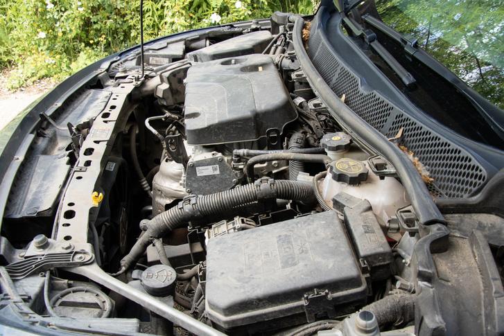 1,4-es szívó benzinmotor 100 motiválatlan lóerővel