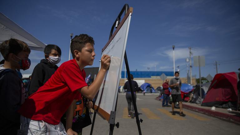 Botrányos állapotok uralkodnak az Egyesült Államok egyik gyermek-menekülttáborában