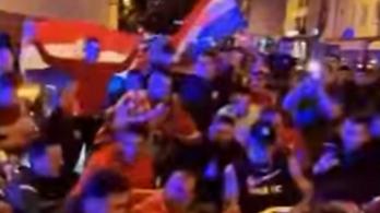 A frankfurti rendőrök együtt ünnepeltek a horvát szurkolókkal – videó