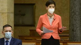 Szél Bernadett: Müller Cecília 45 napot kért egy félperces munkára