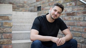 Ungár Péter: Én nem tartom magam LMBTQ embernek, csak egy buzinak, de ez lelketlen volt