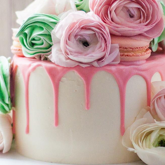 Tortacsata és rizsdobálás: esküvői gasztroszokások a nagyvilágból