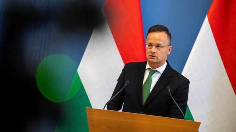 Rendkívüli bejelentést tett Szijjártó Péter: A bajorok nem engedélyezik, hogy magyar konzulok jelen legyenek az Allianz Arenánál