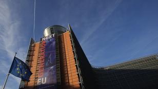 Kitűzi a szivárványszínű zászlót az Európai Parlament is