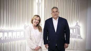 Orbán Viktor meccs helyett elment a brüsszeli tárgyalásra
