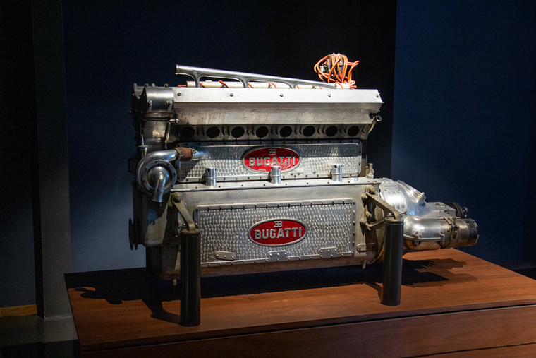 Bugatti  mindig adott arra, hogyan néznek ki a motorjai