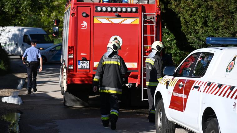 Olyan alacsonyak a bérek, hogy minden második tűzoltó másodállást vállal