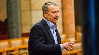 Harminc év után kizárták az MSZP-ből Molnár Gyulát, a párt volt elnökét