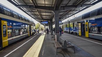 Késnek a vonatok a hőség miatt